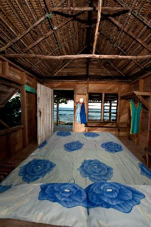 Long Caye Resort: Cabin interior
