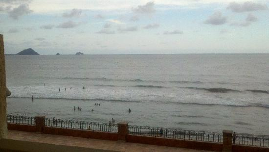 Hotel Playa Mazatlan: view from Balcony RM#353