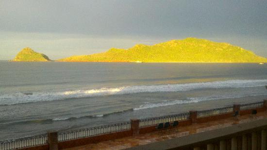 Hotel Playa Mazatlan: View from RM #353