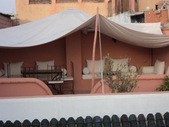Dar la Cle de la Medina : Une partie de la terrasse