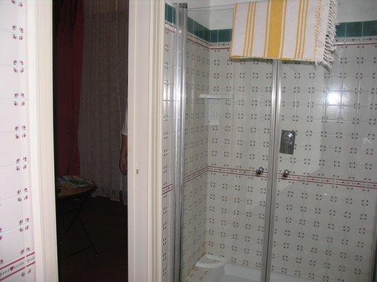 B&B Sorrento : Bathroom