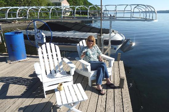 Sunrise Landing Bed and Breakfast: Enjoying Life On the Dock