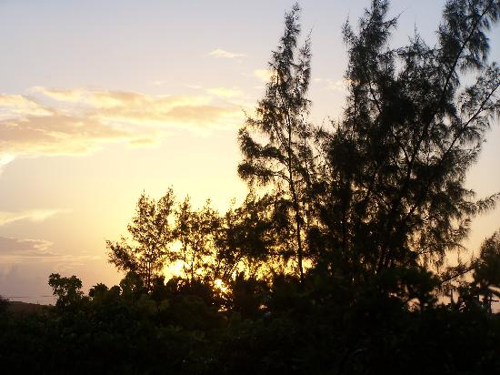 Royal West Indies Resort: Sunrise from our side balcony