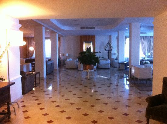 Hotel Illa d´Or: Public areas