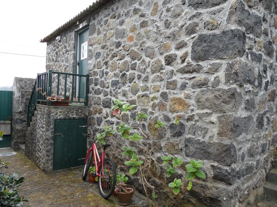 Graciosa, Portugal: Bike parking at Quinta dos Frutos