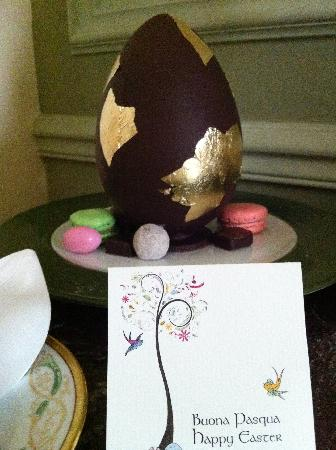 Four Seasons Hotel Firenze: Our Easter gift from the hotel