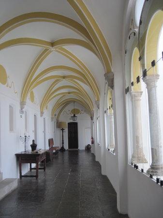 Pousada Convento de Evora: Hallway