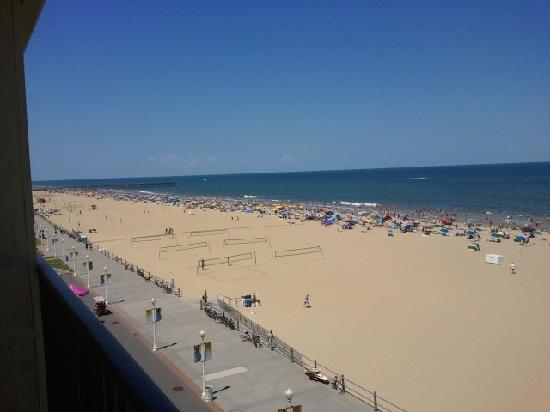 Ramada Virginia Beach Oceanfront: Boardwalk/beach view from balcony
