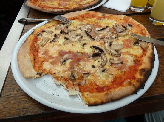 Caminetto: Pizza!