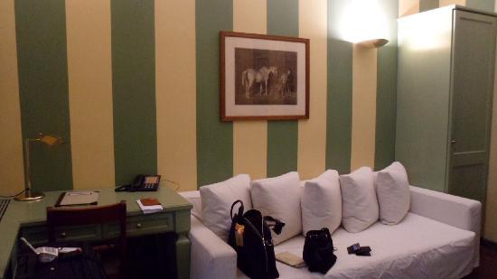 คัมเปริโอเฮ้าส์ สวีทส์ & อพาร์ทเมนส์: living room