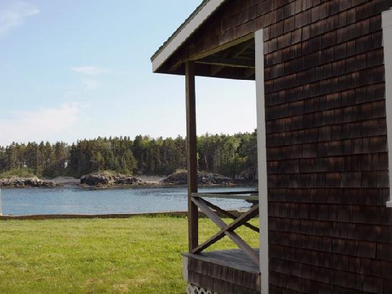 Bailey Island, ME: Side of 2 BR looking out at ocean cove