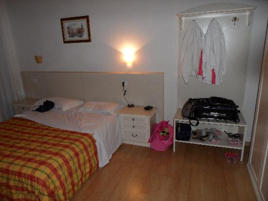Hotel Bella Italia: CAMERA MATRIMONIALE DELL'APPARTAMENTO