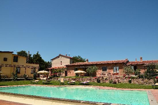 Agriturismo Pratovalle: Zicht op huisje 'Aqua)