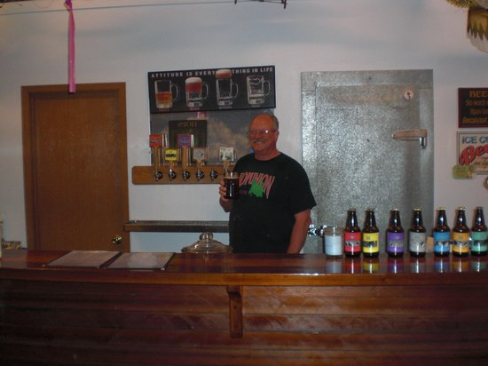 Whitstran Brewing Company: Brewmeister Larry