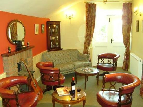 Eastwrey Barton: The Lounge Bar