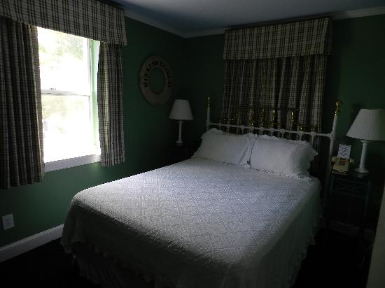 The Wilmingtonian: Lighthouse Suite