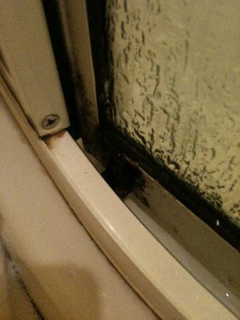 Auberge La Solaillerie: douche la solaillerie