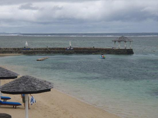 The Warwick Fiji: Beach & Lagoon from resort