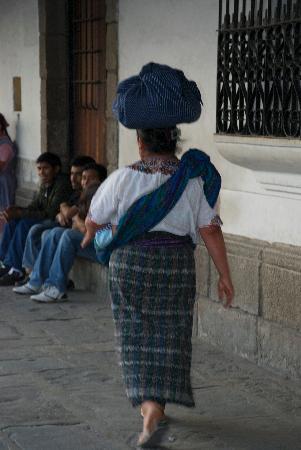Hotel Meson de Maria: Typical street scene