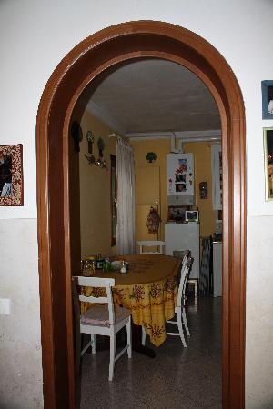Ciprea: Kitchen