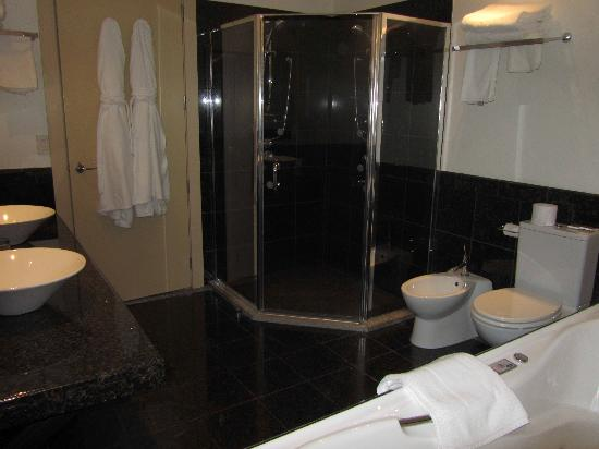 Select Braemar Lodge & Spa: fantastic bathroom