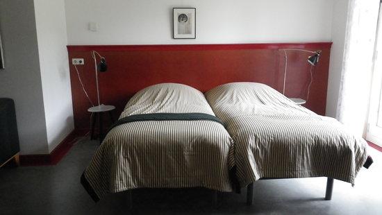 B&B de Haas in de Bedstee: The bedroom with twin beds