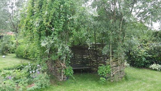 B&B de Haas in de Bedstee: Private alcove in the garden