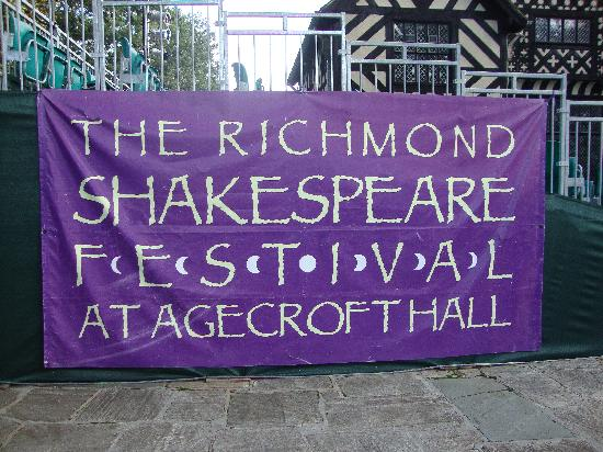 Agecroft Hall: The perfect place to see a Shakespeare production!
