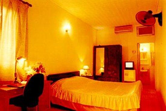 โรงแรมคาเมลเลีย 5: Camellia Hotel 5