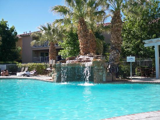 Worldmark St. George: Nice pool and hottub.  But pool heater was broken while there, so VERY cold water.  Only disappo