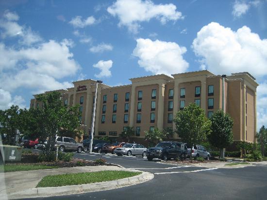 Hampton Inn & Suites Jacksonville-Airport: Vue extérieure de l'hôtel