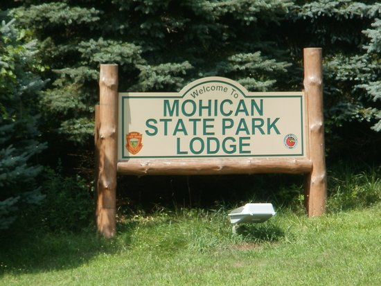 Mohican Lodge and Conference Center: A welcome site after our road trip