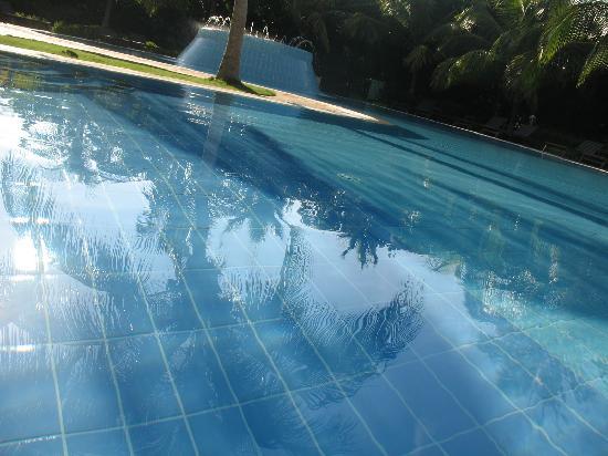 Iberostar Ensenachos: Personne dans la piscine
