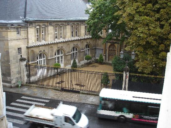 View from hotel window toward luxembourg gardens picture of hotel luxembourg parc paris for Hotels near luxembourg gardens