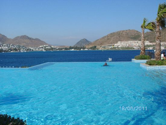 Xanadu Island Hotel: View from our balcony