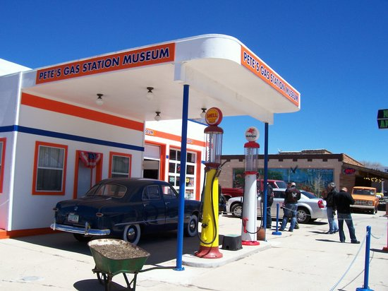 ‪Pete's Rt 66 Gas Station Museum‬