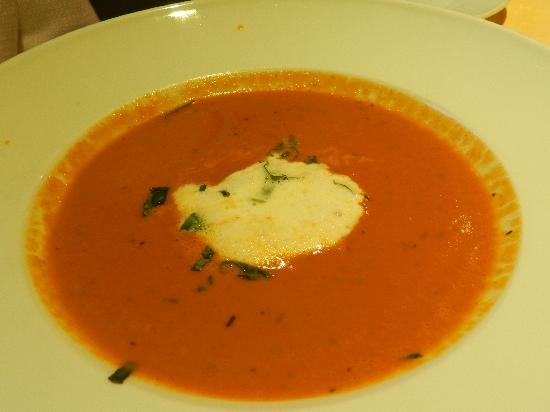Hotel Mühle: Yummy tomato soup!