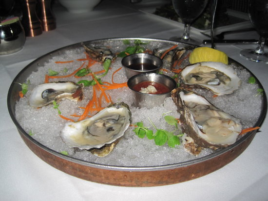 Roots Steakhouse: oysters