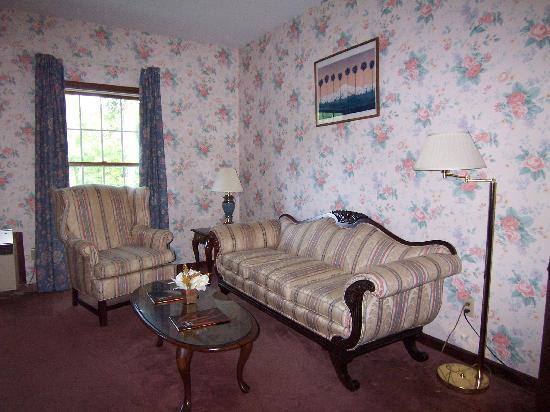 Le Chambord Hotel: Sitting area