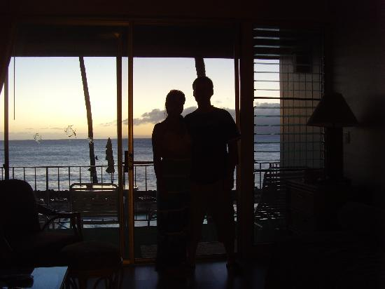 Hale Kai Oceanfront Condominiums: Our last sunset in 217