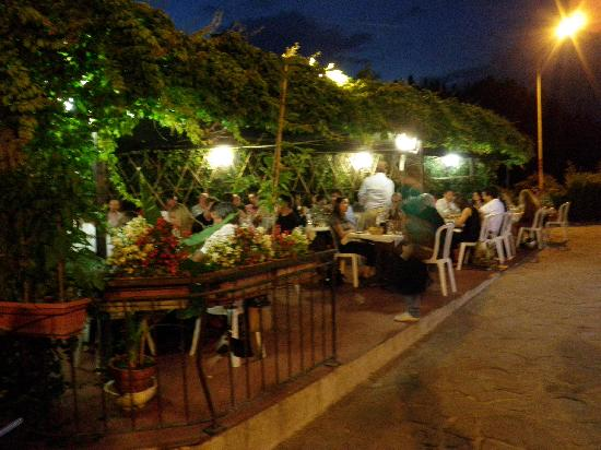Ristorante Mario alla Querciola : Outside Seating (reservation recommended)