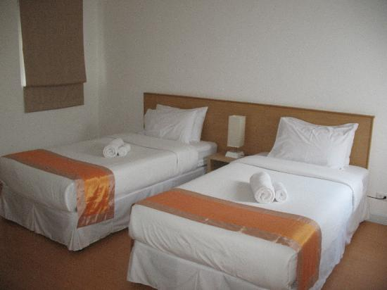 Studio 99 Serviced Apartments: Twin Room in 2 bedroom apartment