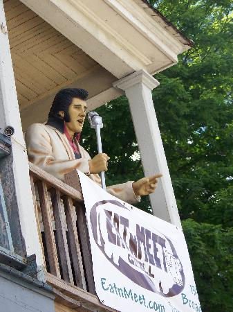 Eat 'n Meet Grill and larder : Elvis is up on the roof!