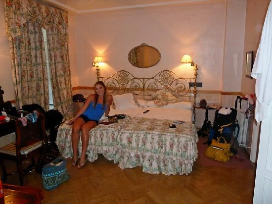 Hotel Dona Maria: The room, third bed is behind us