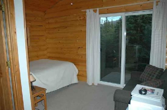 Park's Edge Log Cabins: Cabin interior