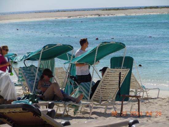 Atlantis, Royal Towers, Autograph Collection: These are the chairs on that beach