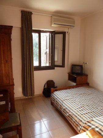Domus Rodos Hotel: bedroom