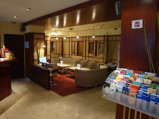 Alexander Hotel: Salon