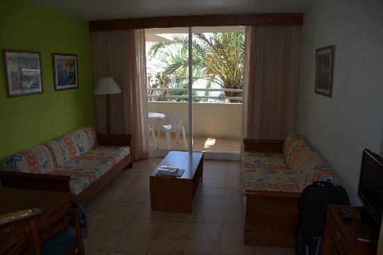 Aparthotel Millor Garden: living room