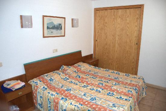 Som Llevant Suites: bedroom